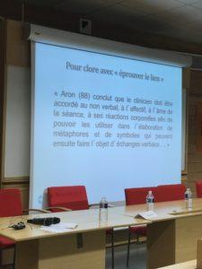 """image d'un diaporama pendant l'intervention de cyrille bertrand, directeur de NGI, intervenant pour le colloque de la SFPI : """"Éprouver et penser le lien"""""""